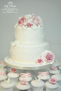 ¡Encarga ya una tarta para tu Boda totalmente personalizada! http://www.lilymonet.com/pasteles-de-boda-barcelona Email: info@lilymonet.com
