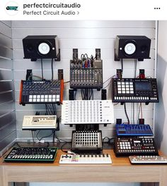 Custom rack wall is like a spice drawer :) Music Recording Studio, Audio Studio, Music Studio Room, Recording Studio Design, Sound Studio, Home Studio Setup, Studio Desk, Dream Studio, Home Music
