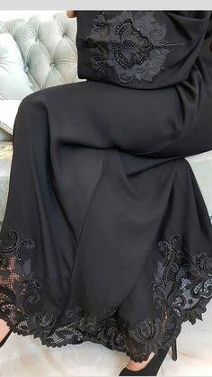 Printer Projects New York Funny Harry Potter Info: 6739866313 Moslem Fashion, Niqab Fashion, Fashion Dresses, Estilo Abaya, Black Abaya, Mode Abaya, New Yorker Mode, Iranian Women Fashion, Outfit Look