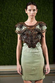 Wearable Art - laser cut wood with an interwoven structure, sculptural fashion armour // Stefanie Nieuwenhuyse