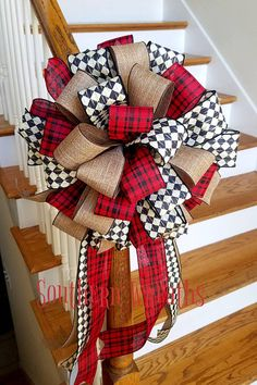 Positive Shabby Chic Decor Suggestion Terrific information to design a first rate easy shabby chic decor Brilliant Shabby chic decor tips posted on this unforgetful day a wreath but you could easily hang it on your door for simple decorpi Diy Christmas Tree Topper, Diy Tree Topper, Ribbon On Christmas Tree, Christmas Mesh Wreaths, Christmas Room, Rustic Christmas, Christmas Crafts, Christmas Decorations, Holiday Decor