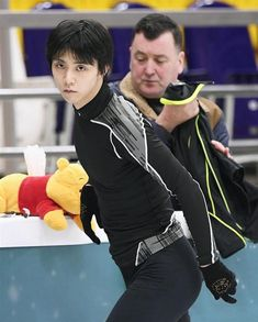 pooh / Credit: unknown, but plz tell me if u do ✨ Russia Cup, Rostelecom Cup, Ice Skaters, Olympic Champion, Russian Beauty, Living Legends, Hanyu Yuzuru, Life Savers, Figure Skating