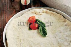 Βασική ζύμη για πίτσα (Αργυρώ Μπαρμπαρίγου) - Έχει λάθος στην ποσότητα του αλευριού Greek Recipes, Italian Recipes, Pizza Recipes, Cooking Recipes, Baking Basics, Savory Muffins, Greek Cooking, Food Categories, Pizza Dough