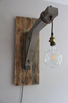 Lámpara colgante Ingmar madera recuperada minimalista por Yucwood
