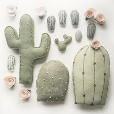 plush cactus creations by /lunabeehive! Felt Crafts, Diy And Crafts, Kids Crafts, Arts And Crafts, Craft Projects, Sewing Projects, Sewing Crafts, Softies, Plushies