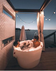 New bath romantic couple posts Ideas House Goals, Life Goals, Relationship Goals, Couple Goals Relationships, Love Is In The Air, Love Couple, Bath Couple, Couple Stuff, Couple Things