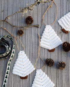 Such A Lovely Crochet Pattern Crochet Christmas Decorations, Crochet Christmas Ornaments, Crochet Snowflakes, Christmas Knitting, Christmas Diy, Yarn Crafts, Christmas Crafts, Diy 2019, Crochet Stitches Patterns