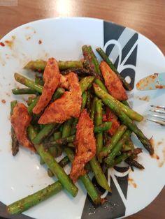 Das Rezept Hähnchen mit grünem Spargel ist für die strenge hcg Diätphase tauglich und schmeckt sehr gut. Ich habe es selber ausprobiert. Das Rezept wurde mir vom Blogleser Michael zugemailt. Vielen Dank dafür. Zutaten: 200 gr. Grünen Spargel (frisch) putzen und in ca 10 cm große Stücke schneiden (nach geschmack) 100 gr. Hähnchenbrust 30 ml. …