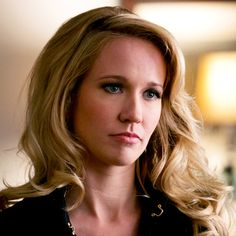 Sarah Newlin, portrayed by Anna Camp. The ex-wife of the former Reverend Steve Newlin, Sarah has racked up a number of crimes against vampires, including the poisoning of the TruBlood supply and the subsequent Hep-V plague. Anna Camp, Joely Richardson, True Blood Series, Sheryl Lee, Skylar Astin, Jennifer Beals, Michelle Dockery, Pitch Perfect, Actresses