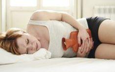 Os 12 Remédios Naturais Para Aliviar a Cólica em Casa
