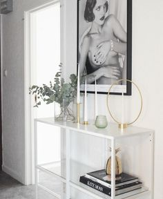 Ikea 'Vittsjö' shelf in hallway @interiorbyelin_