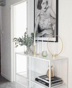 Ikea 'Vittsjö' shelf in hallway @interiorbyelin_