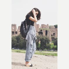 The bautiful #Valentinamarzullo has the perfect travel companion. #backpack, #Royalnotes