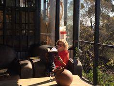 In die bed met Bibi en Marita Afrikaans, Books To Read, Van, Vans, Afrikaans Language, Vans Outfit
