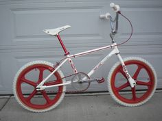Mongoose Index Freestyle Bike - Silver Fox Racing Logo, Bmx Racing, Vintage Bmx Bikes, Retro Bike, Cycling Art, Cycling Bikes, 24 Bmx, Bmx Cruiser, Bmx Street