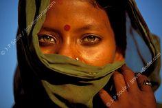 Bauriya Gypsy Girl, Pushkar, Rajasthan desert, India by Jean-Philippe Soule