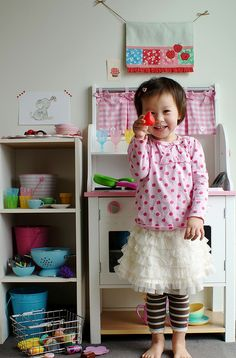 1st of all - AMAZING OUTFIT!!!! also, AMAZING LITTLE PLAY KITCHEN!!!
