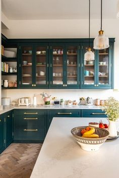 27 Simple Kitchen Design Ideas awesome Kitchen Room Decoration The main reason is because your kitchen sink should have a place to sit down. Remodeling a kitchen is a good deal of work. Kitchen Renovation Inspiration, Kitchen Renovation Design, Teal Kitchen, Kitchen Decor, Kitchen Sink, Mexican Style Kitchens, Simple Kitchen Design, Modern Kitchen Interiors, Victorian Kitchen