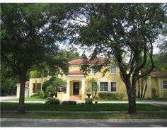 3125 W MORRISON AVE  TAMPA, FLORIDA 33629      5 Bedrooms, 5 Bathrooms  1 Partial Baths  4898 Square Ft.