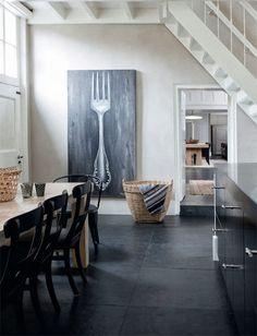 Are these 5 Kitchen Decor Items making your home seriously outdated? Kitchen Decor Items, Kitchen Art, Kitchen Design, Family Dining Rooms, Interior And Exterior, Interior Design, Home And Deco, Interior Inspiration, Home Kitchens