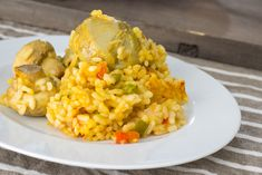 Paella de verduras | Delantal de Alces Fried Rice, Risotto, Fries, Ethnic Recipes, Food, Preserve, Artichoke Hearts, Vegan Dishes, Foodies