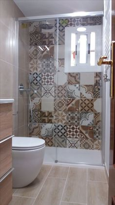 44 best small bathroom ideas for your apartment decorating 35 Badezimmer Small Bathroom With Shower, Bathroom Design Small, Bathroom Layout, Bathroom Interior Design, Bathroom Ideas, Master Bathroom, Bathroom Organization, Minimal Bathroom, Bath Design
