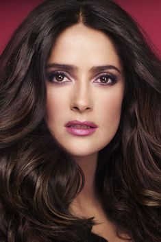#SalmaHayek Extends Nuance Line Into Nails.  Eye shadow & lip color!