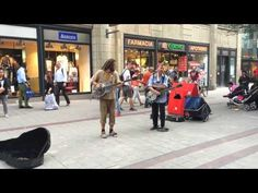 Street Singer Hamburg - YouTube