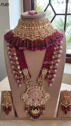 Pakistani Bridal Jewelry, Indian Bridal Jewelry Sets, Bridal Bangles, Bridal Jewellery Collections, Antique Jewellery Designs, Fancy Jewellery, Indian Jewellery Design, Fabric Jewelry, Marriage Jewellery