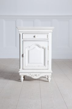1000 images about trend shabby chic on pinterest - Repeindre vieille armoire ...