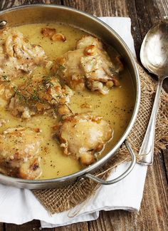 Rustic Chicken with Garlic Gravy - a one-pan chicken dinner with lots of garlic gravy, perfect with mashed potatoes! #chicken #onepan #garlic