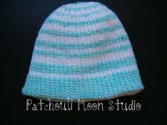 Reversible baby knit hat