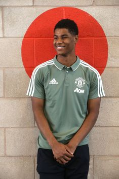 Manchester United striker Marcus Rashford thinks his hunger for success has achieved a level he never thought possible. Manchester United Training, Manchester United Football, Soccer Skills, Soccer Tips, Jesse Lingard, Man Utd News, Marcus Rashford, Sporting, England Football