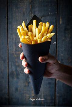 Food Cart Design, Food Poster Design, Dark Food Photography, Photography Tips, Food Packaging Design, Cafe Food, Aesthetic Food, Food Cravings, Diy Food