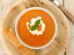 Paprika tomatensoep. Oranjesoep, ook lekker ná het WK!