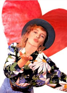 Ararya Ruhur Estungkara-Sagan's tribute to Kylie Minogue Kylie Minogue Hair, Dannii Minogue, Medium Hair Cuts, Medium Hair Styles, Lovely Dresses, Beautiful Outfits, Famous Musicals, Michael Hutchence, Signature Look