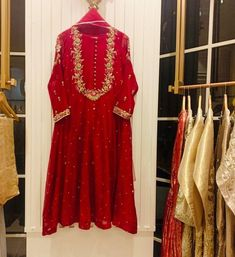 Pakistani Fashion Party Wear, Pakistani Wedding Dresses, Pakistani Dress Design, Pakistani Outfits, Stylish Dress Designs, Designs For Dresses, Stylish Dresses, Casual Dresses, Formal Dresses