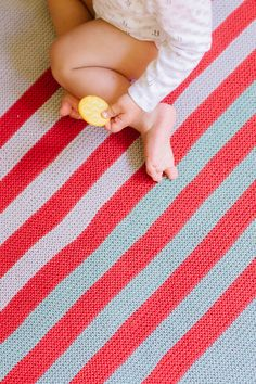 telly baby blanket by dawn catanzaro / from the little monsters collection / in quince & co. willet, colrs windlass, flare, and dinghy