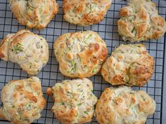 Pizza Snacks, Squash, Baked Goods, Foodies, Biscuits, Recipies, Snack Recipes, Muffin, Brunch
