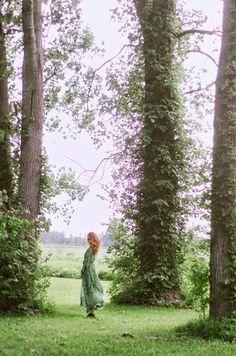 Largas caminatas aclaraban su atormentada y complicada mente. Amaba la naturaleza que habia creado.