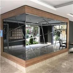 WALL COATING Wall-to-wall mirrors When placed on large areas, the price tag on these mirrors Mirror Decor Living Room, Home Decor Mirrors, Entryway Decor, Home Interior Design, Interior Decorating, Wall Design, House Design, Lobby Design, Architect Design