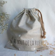 Transfer Text with iron. Closure with a small ribbon. Travel Organization, Handmade Bags, Organizers, Underwear, Ribbon, Closure, Cold, Gifts, Clothes