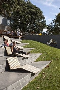 Bleachers with lounge furniture and interesting triangular insertion into mound of earth. Stairs Architecture, Landscape Architecture Design, Green Architecture, Architecture Diagrams, Architecture Portfolio, Urban Furniture, Street Furniture, Lounge Furniture, Concrete Furniture