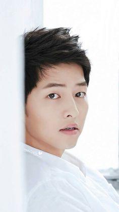 I ❤ Song Joong Ki's innocence Song Hye Kyo, Asian Actors, Korean Actors, Song Joong Ki Cute, Soon Joong Ki, Park Bogum, Sun Song, Descendents Of The Sun, Songsong Couple