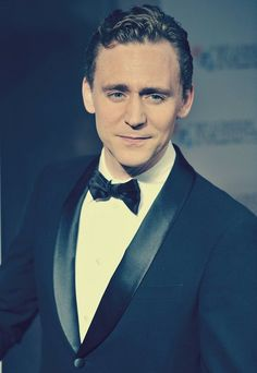 We need some more Tom Hiddleston. QUEEN SARAH (of this board) DECREES IT. Plus I've never seen this one before.