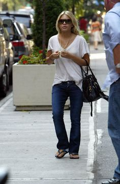 mary-kate olsen casual style. Love how she makes it looks so perfect.