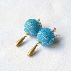Earrings gold and blue loops embroidered by LaFabriqueDeLoulette