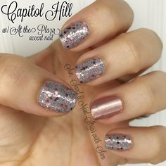 Color Street Capitol Hill with an At the Plaza accent nail! These two are so cute together. Love gray and rose gold! #colorstreet #colorstreetnails #csnails #manicure #nailart #rosegold