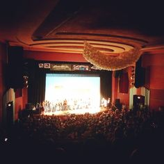 Full house at the world premiere of #prettyfacesmovie at #Boulder #theatre last night! So awesome to see so many ladies representing! #skilikeagirl #ridelikeagirl #liveyouradventure #shejumps