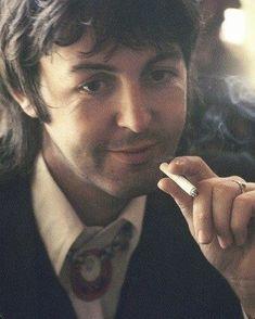Paul loves his smokes. My Love Paul Mccartney, Wings Band, Music Genius, Sir Paul, John Paul, Beatles Photos, Love Me Do, The Fab Four, Saddest Songs